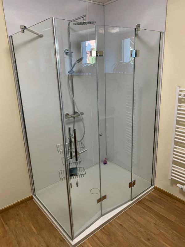 Bild zeigt Fugenlose Dusche