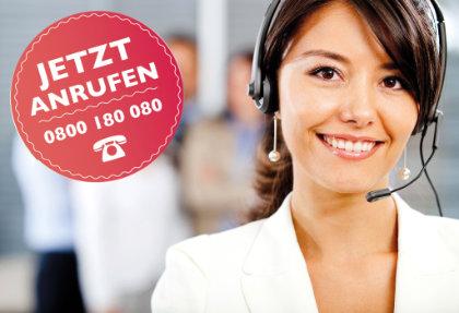 Bild zeigt Frau mit Headset