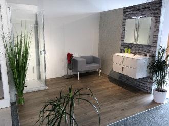 Bild zeigt Bad mit Pflanzen