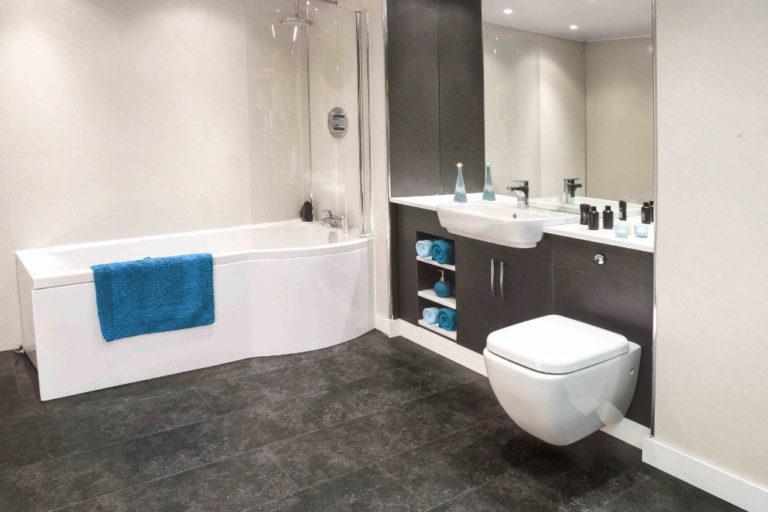 Bild zeigt Badezimmer fugenlos ohne Fliesen